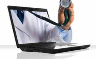 il dottore al computer